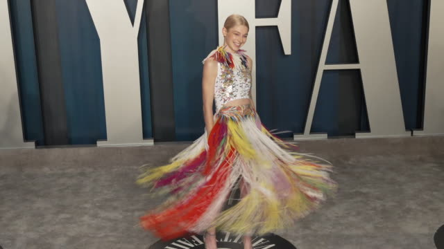 hunter schafer at vanity fair oscar party at wallis annenberg center for the performing arts on february 09, 2020 in beverly hills, california. - oscar party stock videos & royalty-free footage