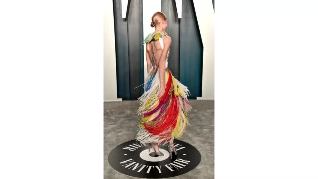 hunter schafer attends the 2020 vanity fair oscar party hosted by radhika jones at wallis annenberg center for the performing arts on february 09,... - vanity fair oscar party stock videos & royalty-free footage