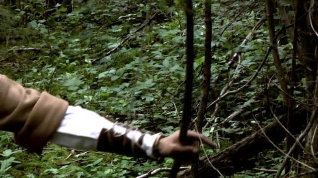 vídeos de stock, filmes e b-roll de caçador com laço - bow and arrow