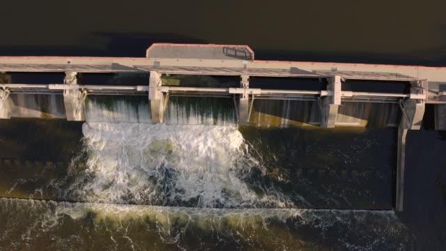 vídeos y material grabado en eventos de stock de huron dam - ann arbor