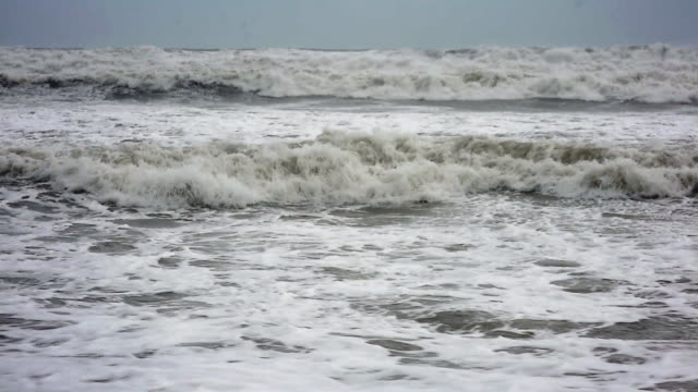 vídeos de stock e filmes b-roll de hurricane dorian approaches florida's east coast on tuesday september 3 2019 in cocoa beach florida - sargaço