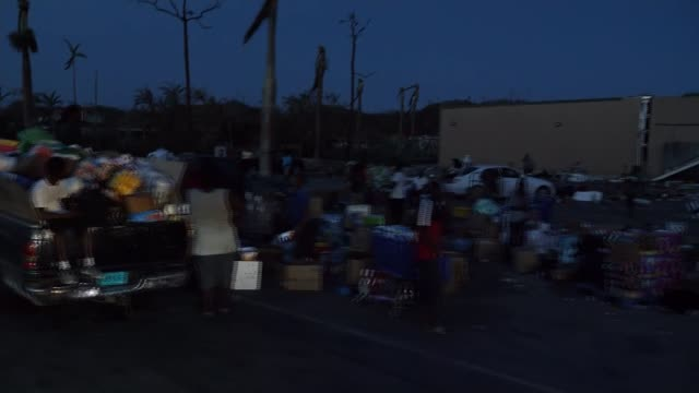 vídeos y material grabado en eventos de stock de desperate need for food and water for survivors the bahamas abaco islands flooded areas destroyed buildings basil pierre interview latesha mcintosh... - bahamas