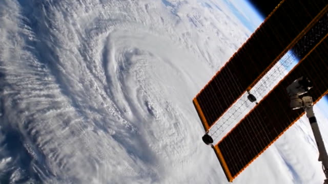 hurricane florence makes landfall at wrightsville beach in wilmington north carolina the weather phenomenon starts crossing over land at 715 am on... - atmosphere filter stock videos and b-roll footage