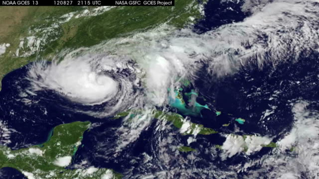 stockvideo's en b-roll-footage met hurricane isaac makes landfall - extreem weer