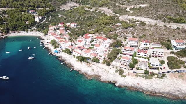 vídeos y material grabado en eventos de stock de hvar island town in croatia, aerial - cultura croata