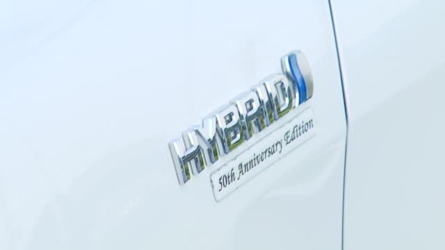 hybrid car at the 2007 ema awards at the wilshire ebell theatre and club in los angeles california on october 24 2007 - wilshire ebell theatre stock videos & royalty-free footage