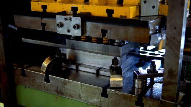 hydraulic cutting press in the process - plasma video stock e b–roll