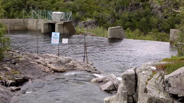 vidéos et rushes de barrage de l'énergie et la rivière - énergie hydrolienne
