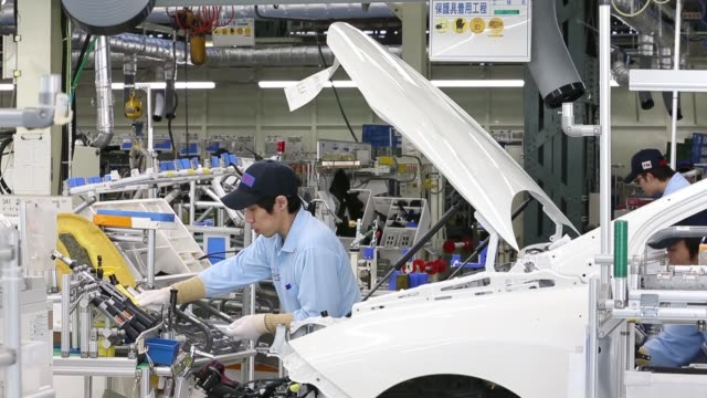 stockvideo's en b-roll-footage met hydrogen tanks sit before being installed in a toyota motor corp mirai fuelcell vehicle on the production line of the company's motomachi plant in... - toyota motor
