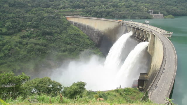 stockvideo's en b-roll-footage met hydropower dam - energie industrie