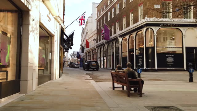 hyper lapse shot of streets on new bond street in london, u.k., on wednesday, february 10, 2021. - traffic time lapse stock videos & royalty-free footage