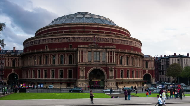 london - circa 2012: hyper lapse - time lapse of the royal albert hall in london circa 2012 - royal albert hall点の映像素材/bロール
