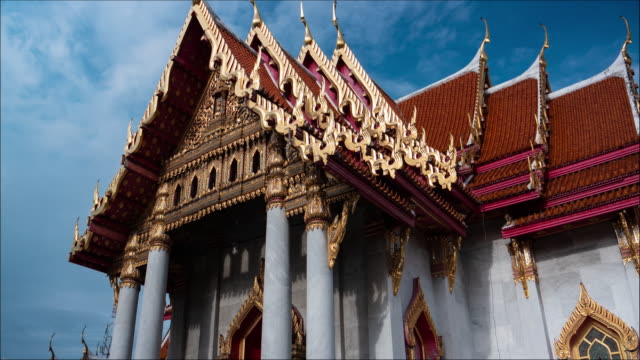 vídeos de stock e filmes b-roll de 4k hyper lapse : wat benchamabopitr dusitvanaram (marble temple) - palace