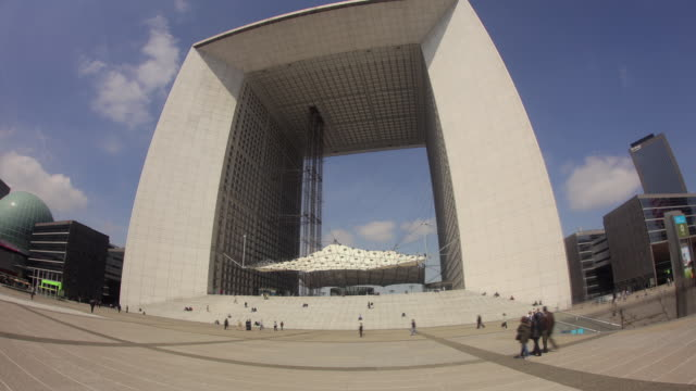 TL Hyperlapse across Grande Arche day