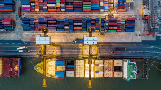 vídeos de stock e filmes b-roll de hyperlapse aerial view of international port - edifício de transportes