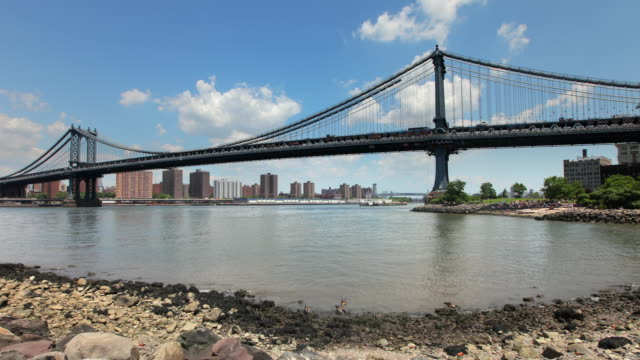 Hyperlapse along Brooklyn Bridge Beach