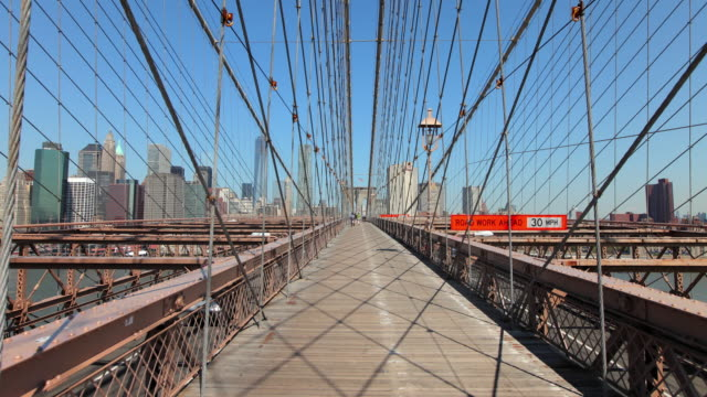 hyperlapse along brooklyn bridge - vanishing point stock videos & royalty-free footage