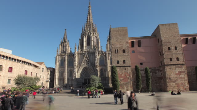 TL Hyperlapse Barcelona Cathedral day