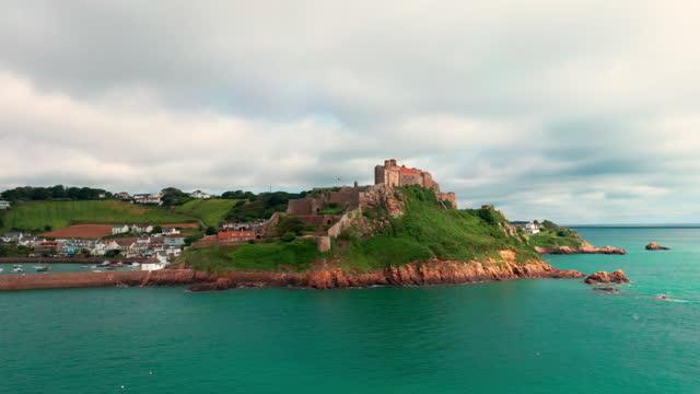 hyperlapse castle - channel islands england stock videos & royalty-free footage