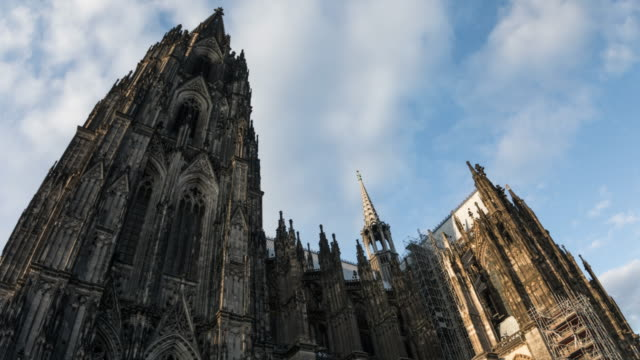 hyperlapse cologne catherdral - 4k cityscapes, landscapes & establishers - cathedral stock videos & royalty-free footage