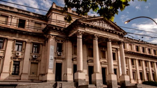 hyperlapse-palacio de justicia córdoba - palace stock-videos und b-roll-filmmaterial
