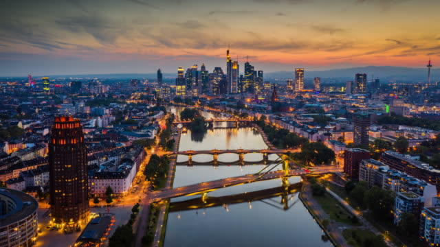 vídeos de stock e filmes b-roll de hyperlapse: frankfurt am main - distrito financeiro