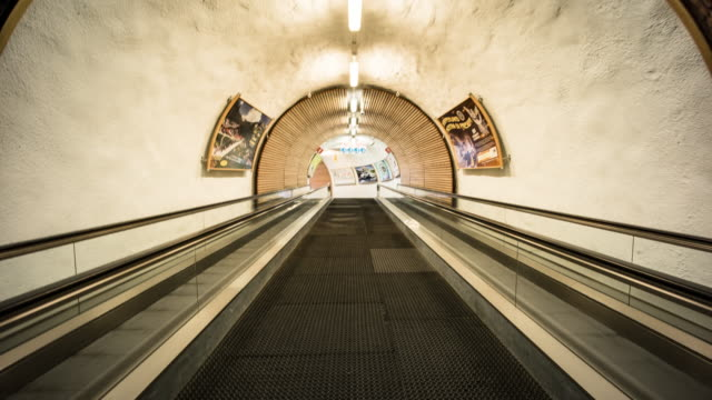 Hyperlapse in Tunnel walkway