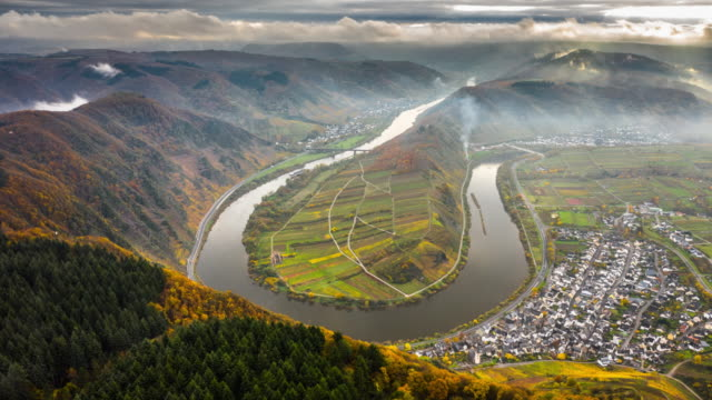 hyperlapse: mosel river bend - moselschleife in germany - river bend land feature stock videos & royalty-free footage