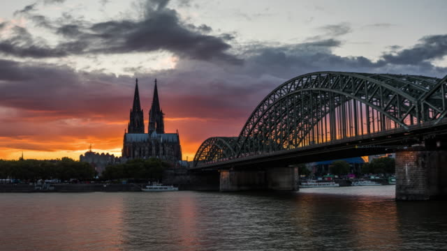 hyperlapse of cologne skyline at sunset - 4k cityscapes, landscapes & establishers - international landmark stock videos & royalty-free footage