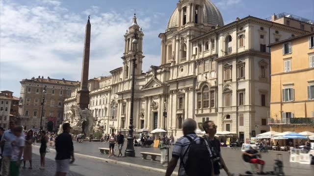 hyperlapse of piazza navona, roma - piazza navona stock videos & royalty-free footage