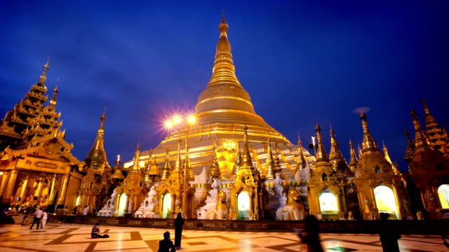 hyperlapse of shwedagon temple, yangon, myanmar (burma) - pagoda stock videos & royalty-free footage