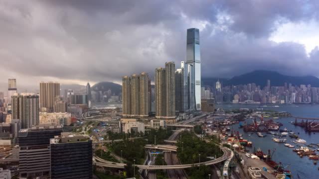 hyperlapse von urban skyline und hong kong wolkenkratzer - high dynamic range imaging stock-videos und b-roll-filmmaterial