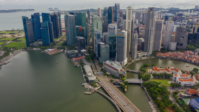 hyperlapse or dronelapse scene of singapore business district downtown - hyper lapse stock videos & royalty-free footage