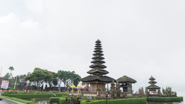 hyperlapse pura ulun danu bratan the famous temple in bali - pura ulu danau temple stock videos & royalty-free footage