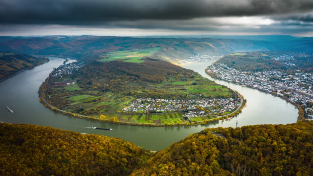 hyperlapse: rhine river bend in germany - river bend land feature stock videos & royalty-free footage
