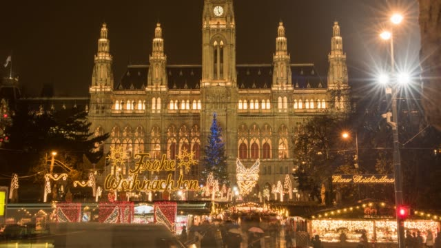 hyperlapse timelapse of rathaus, vienna, austria, europe. - time-lapse - rathaus video stock e b–roll