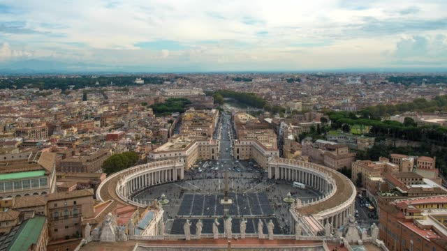 hyperlapse timelapse of st peters square in vatican city from st peters basilica church, rome, italy, europe. - time-lapse - arte dell'antichità video stock e b–roll