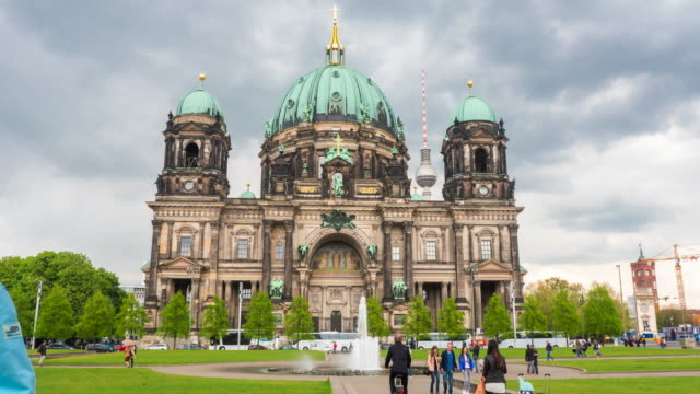 hyperlapse timelapse of the berlin dom, berlin cathedral church and berliner fernsehturm tv tower, in berlin, germany, europe. - time-lapse - kirche stock-videos und b-roll-filmmaterial
