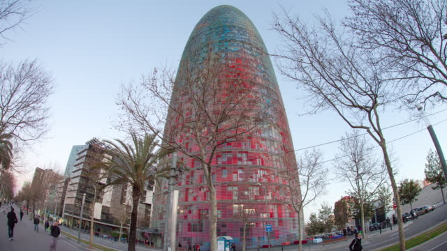 TL Hyperlapse Torre Agbar day to night