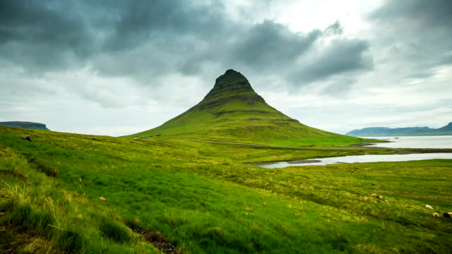 Hyperlapse video around Kirkjufell mountain, Iceland