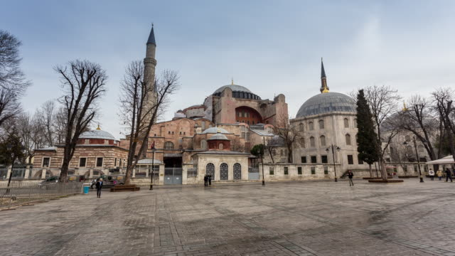 vidéos et rushes de istanbul - circa 2014: hyperlpase, time lapse of the sophie mosque during a sunny and cloudy day in istanbul, turkey - religion