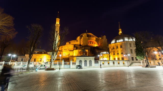 vidéos et rushes de istanbul - circa 2014: hyperlpase, time lapse of the sophie mosque during the night in istanbul, turkey - religion