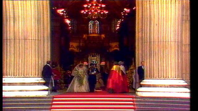1815 1930 i1815 life of Princess LIB ENGLAND London Buckingham Palace Prince Charles Princess Diana down steps into garden LIB St Paul's Princess...