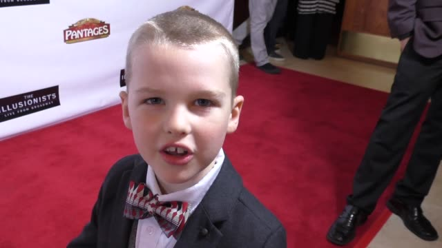 iain armitage at the illusionists - live from broadway at pantages theatre in hollywood - celebrity sightings on february 23, 2016 in los angeles,... - パンテージスシアター点の映像素材/bロール