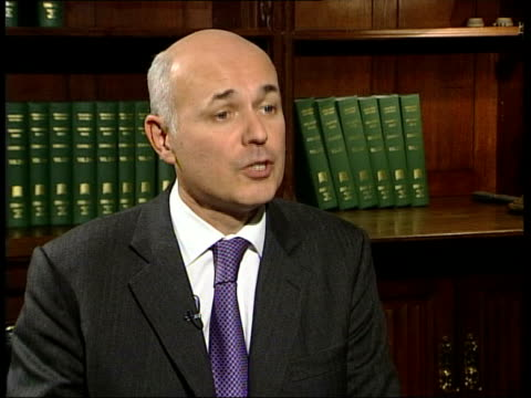 iain duncan smith investigated for misuse of funds itn london iain duncan smith mp interviewed sot sir philip says he has anonymous sources which... - francis crick stock videos & royalty-free footage