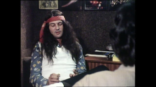 ian gillan interview with donnie sutherland re ian gillan band and child in time album - ian gillan stock-videos und b-roll-filmmaterial