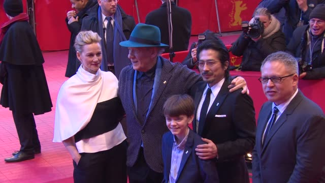 clean ian mckellen laura linney milo parker hiroyuki sanada bill condon at 'mr holmes' red carpet 65th berlin film festival at berlinale palast on... - event capsule stock videos & royalty-free footage