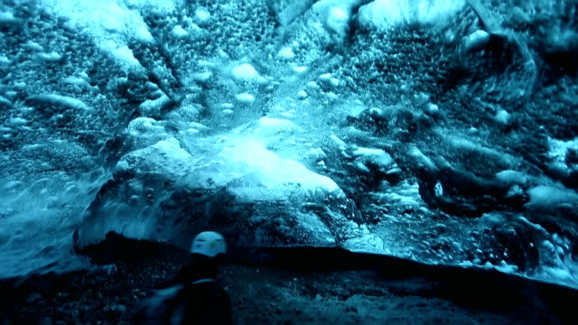 HD VDO : ice caves in Iceland
