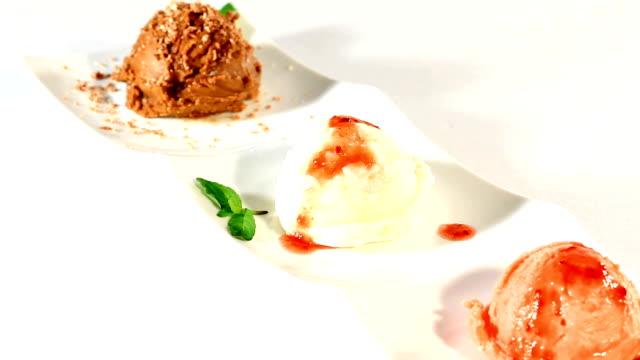 vídeos y material grabado en eventos de stock de helado de wafles - grupo mediano de objetos