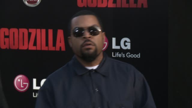 """stockvideo's en b-roll-footage met ice cube and lill ice at the """"godzilla"""" los angeles premiere at dolby theatre on may 08, 2014 in hollywood, california. - première"""